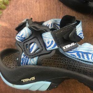 Teva Shoes - Teva Hurricane 3 Sandals   Size 8